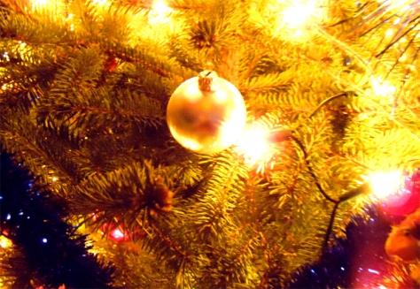 christmas-tree-ball-
